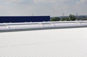 Lichtkuppeln und RWA-Anlagen von HHM Industriebau